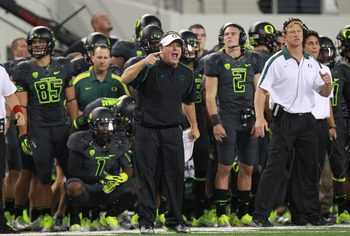 ARLINGTON, TX - SEPTEMBER 03:  Head coach Chip Kelly of the Oregon Ducks at Cowboys Stadium on September 3, 2011 in Arlington, Texas.  (Photo by Ronald Martinez/Getty Images)