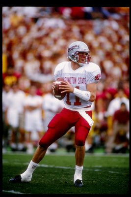 24 Oct 1992: Quarterback Drew Bledsoe of the Washington State Cougars prepares to pass the ball during a game against the USC Trojans. USC won the game 31-21.