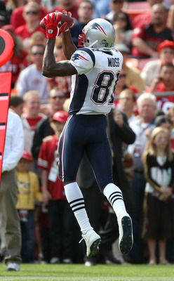 Randy Moss in 2010, making a catch for the Patriots