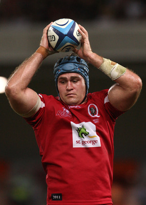 BRISBANE, AUSTRALIA - APRIL 23:  James Horwill of the Reds wins a lineout during the round 10 Super 15 Rugby match between the Reds and the Waratahs at Suncorp Stadium on April 23, 2011 in Brisbane, Australia.  (Photo by Jonathan Wood/Getty Images)
