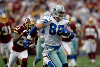 DeAngelo Hall pursues Jason Witten