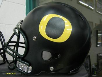 http://nikeblog.wordpress.com/2008/11/13/oregon-ducks-black-helmets/