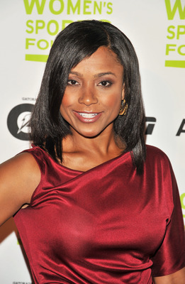 Dominique Dawes at the 30th Annual Salute To Women In Sports Awards