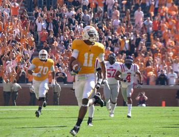 http://utdailybeacon.com/multimedia/photos/2010/nov/18/justin-hunter-gets-lucky-against-ole-miss/
