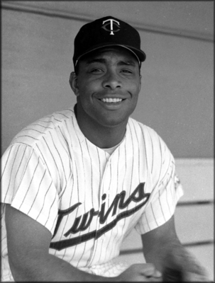http://www.baseball-birthdays.com/archives/January/05/images/Earl%20Battey.png