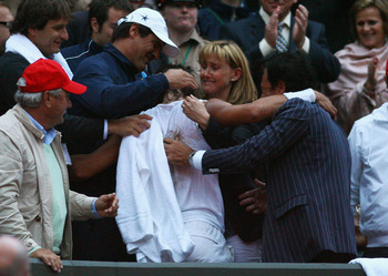 Rafa embraces his family following his Wimbledon victory