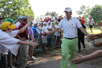Golf Fans Meeting a Hero