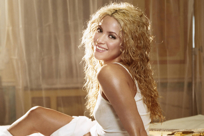 Wallpaper_shakira_animaatjes-2_crop_650