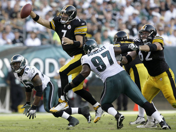 Bunkley pursues Ben Roethlisberger