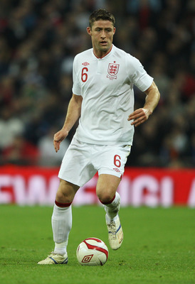 LONDON, ENGLAND - FEBRUARY 29:  Gary Cahill of England in action during the international friendly match between England and Netherlands at Wembley Stadium on February 29, 2012 in London, England.  (Photo by David Rogers/Getty Images)