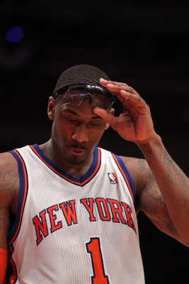 Amar'e Stoudemire's knees are not doing to well.