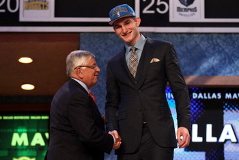 North Carolina center Tyler Zeller, a projected lottery pick, fell to no. 17 on Thursday.