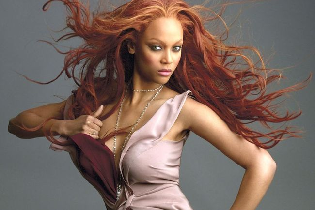45tyrabanks-wallpaperextreme_crop_650