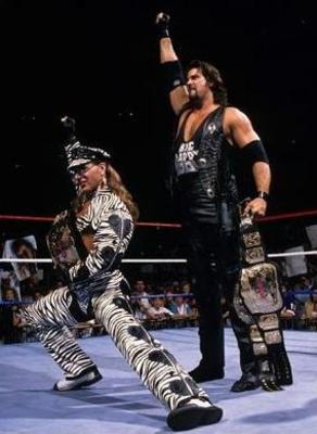 Wwe-legend-kevin-nash-and-shawn-michales-posing-for-wwe-fas_display_image
