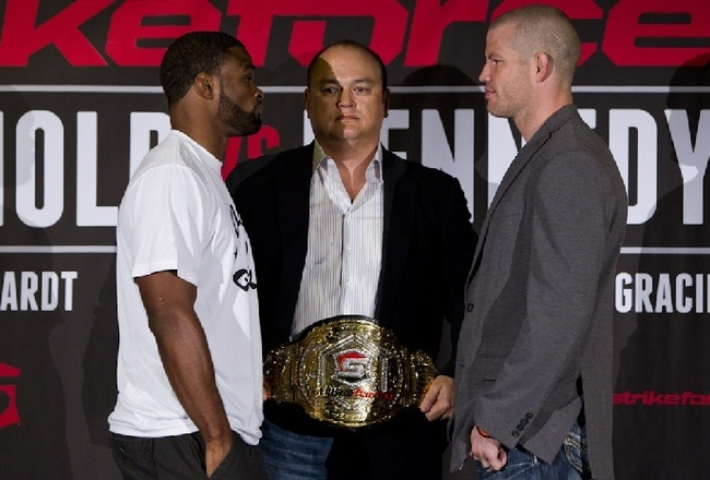 7_13_2012_003_tyron_woodley_and_nate_marquardt_crop_650x440