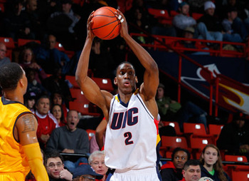 Image from http://www.uicflames.com