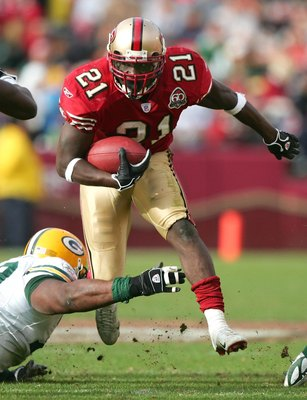 Frank Gore breaks free against the Packers in a game at Candlestick Park