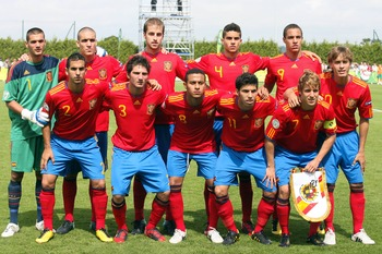 SAINT-LO, FRANCE - JULY 27:  the Spanish team first row (L to R) Alex (GK), Oriol Remeu,Jorge Pulido, Marc Bartra, Rodrigo, second row top L to R:  Martin Montoya, Carles Planas, Thiago Alcantara, Daniel Pacheco, Keko (Cap) and Sergio Canales pose before 