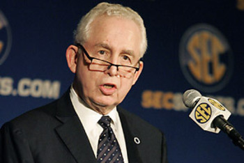 Mike Slive | Photo via Orlando Sentinel