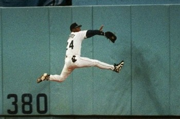 http://sportscasualties.wordpress.com/2010/06/03/ken-griffey-jr/