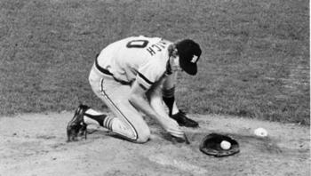 http://www.boston.com/sports/baseball/articles/2009/04/14/mark_the_bird_fidrych_54_pitcher_entralled_fans/