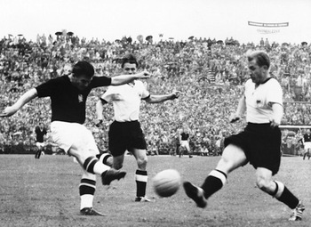 Hungary-1954-world-cup-final-ferenc-puskas_display_image