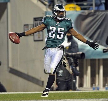 December 18, 2011; Philadelphia, PA USA; Philadelphia Eagles running back LeSean McCoy (25) scores on a 33-yard touchdown run  against the New York Jets during the game at Lincoln Financial Field. The Eagles won 45-19. Mandatory Credit: Eric Hartline-US P