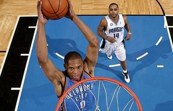 Russell-westbrook-dunk_display_image