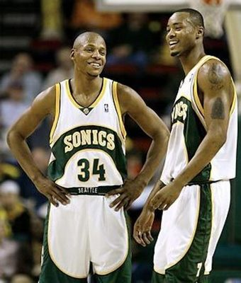 Ray Allen (left) & Rashard Lewis (via newsok.com)