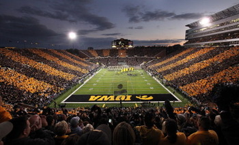 Kinnick-night_display_image