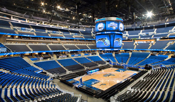 The Amway Center is luxurious and sports a number of great bars and restaurants for the fans.