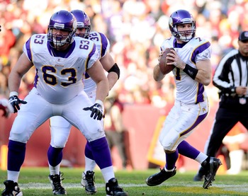 Brandon Fusco (No. 63) played three games at right guard for the Vikings in 2011.