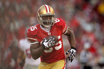 Vernon Davis had one of the more memorable playoff catches last season.