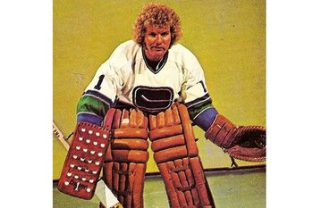 Nhl-gary-smith_display_image