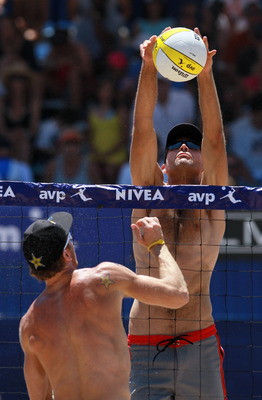 Phil Dalhausser gets way up.