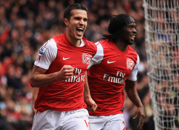 Van Persie seems set on leaving North London