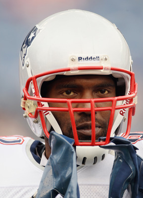Randy Moss's contract displeasure in 2010 did not end well.