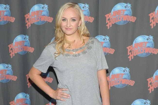 24nastialiukin-fanpop_crop_650