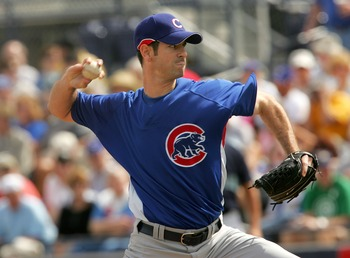 PEORIA, AZ - MARCH 5:  Pitcher Mark Prior #22 of the Chicago Cubs throws a pitch against the Seattle Mariners during Spring Training at Peoria Sports Complex March 5, 2007 in Peoria, Arizona.  (Photo by Stephen Dunn/Getty Images)