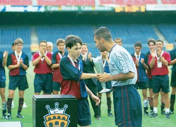 Photo courtesy of http://www.denunciando.com/noticias-206/383406-feliz-cumpleanos-pep-guardiola.html