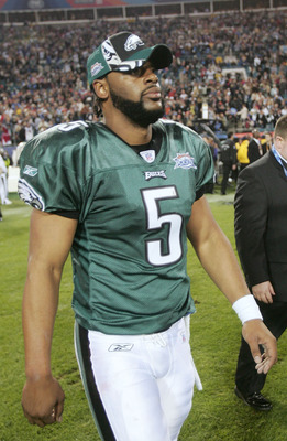 Eagles quarterback Donovan McNabb walks off the field after Super Bowl loss to the Patriots