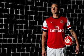 http://www.dailymail.co.uk/sport/football/article-2164824/Olivier-Giroud-joins-Arsenal.html