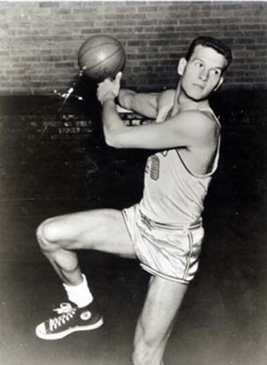 A photo of Frank Selvy rocking the Converse All-Stars.