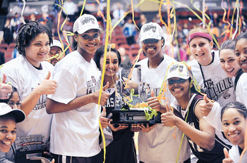 Texas A&amp;M takes the 2011 Women's Basketball title