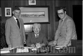 Steelers' owner Art Rooney, Sr. is flanked by his sons Dan (left) and Art, Jr. (right). Dan would join his father as a member of the Hall in 2000 Photo credit: artrooneyjr.com