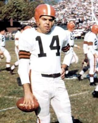 Browns' quarterback Otto Graham led the team to seven championshps Photo credit: bestsportsphotos.com