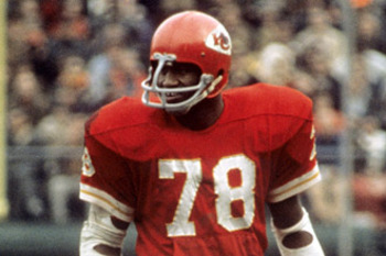 Chiefs' linebacker Bobby Bell could do it all...and he did Photo Credit: arrowheadpride.com