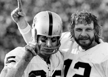 Fred Biletnikoff (left) caught nearly everything thrown to him by quarterback Ken Stabler Photo credit: latimesblogs.latimes.com