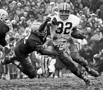 Jim Brown played in 118 games and scored 126 touchdowns Photo credit: 6magazineonline.com
