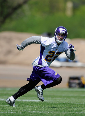 Harrison Smith locks in on the ball